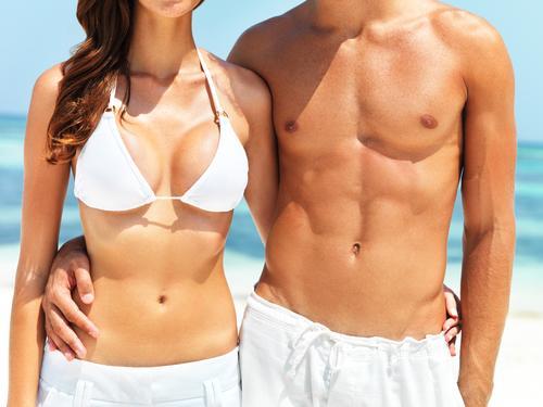 beach-body-abs-couple